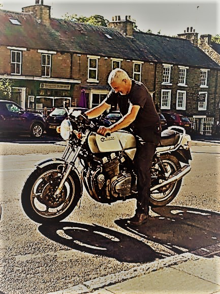 Connectioon Courier MD Chris Malkin woth Laverda Mirage